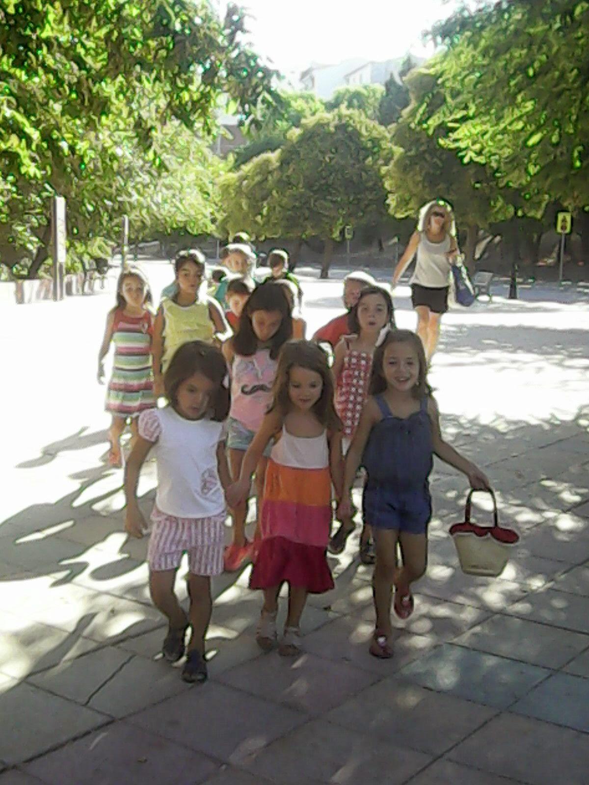 Escuela de verano montefr o 2014 visita caja rural de granada for Caja rural de granada oficinas