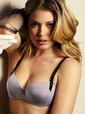 Doutzen Kroes Photo Wallpaper