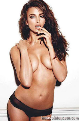 hot-irina-shayk-strip