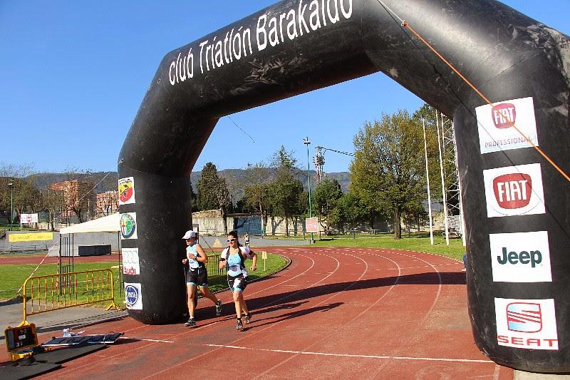 Aintzane Argaiz y Mikel Otaegi ganan en 17 Duatlón de Barakaldo