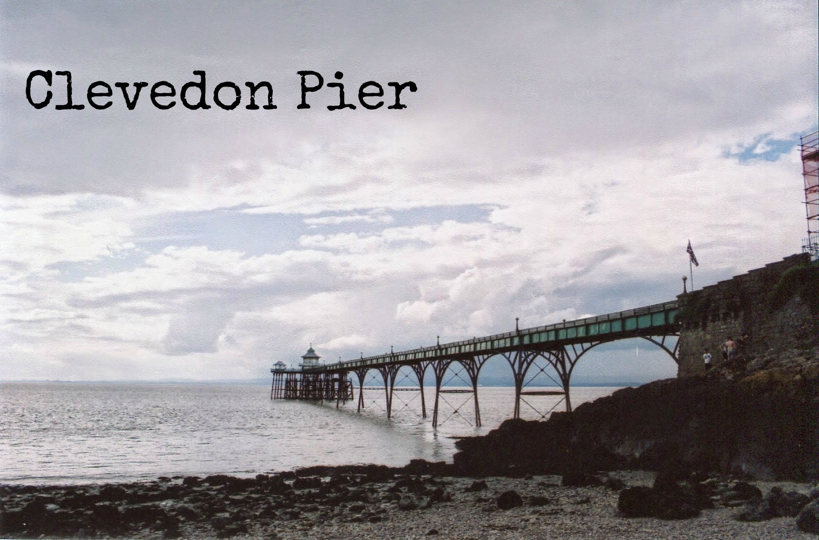 http://talesonfilm.blogspot.co.uk/2014/07/clevedon-pier.html