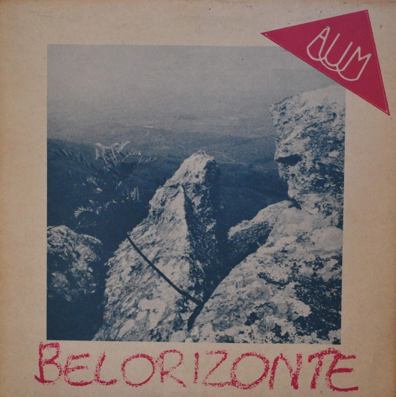 """""""Aum"""" foi um grupo instrumental brasileiro formado na década de oitenta na capital de Minas Gerais, Belo Horizonte. Seu som era um som híbrido, uma fusão de jazz com progressivo que desafiava o desinteressado público """"new wave"""" daquela década. Mesmo assim eles conseguiram gravar de forma independente um único álbum em 1983, chamado """"Belorizonte"""". Este álbum por ter se tornado uma joia rara, é bem mais caro que outros Lp´s obscuros em sebos ou na internet. Passados 30 anos, a música do """"Aum"""" continua intacta, causando-me surpresas, recomendo aos colecionadores e admiradores do prog brasileiro."""