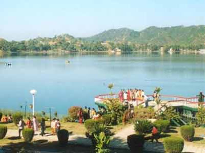 Beautiful Place in Mansar Lake