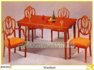 Kursi dan Meja Makan Ukiran Kayu Jati Matahari