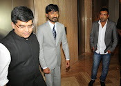 Dhanush at Idea film fare awards-thumbnail-19