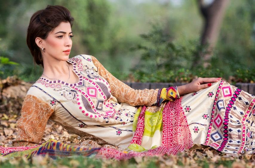 Latest-Pakistani-Fashion-women