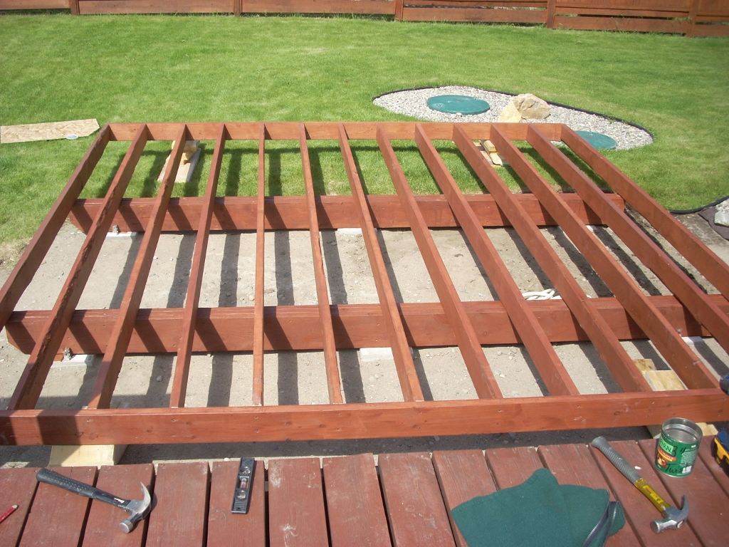 how to reinforce a deck to support a hot tub
