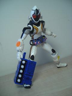 SH Figuarts Kamen Rider Fourze Module Set 01 Launcher 01