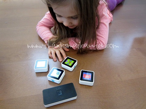 Sifteo Cubes game system