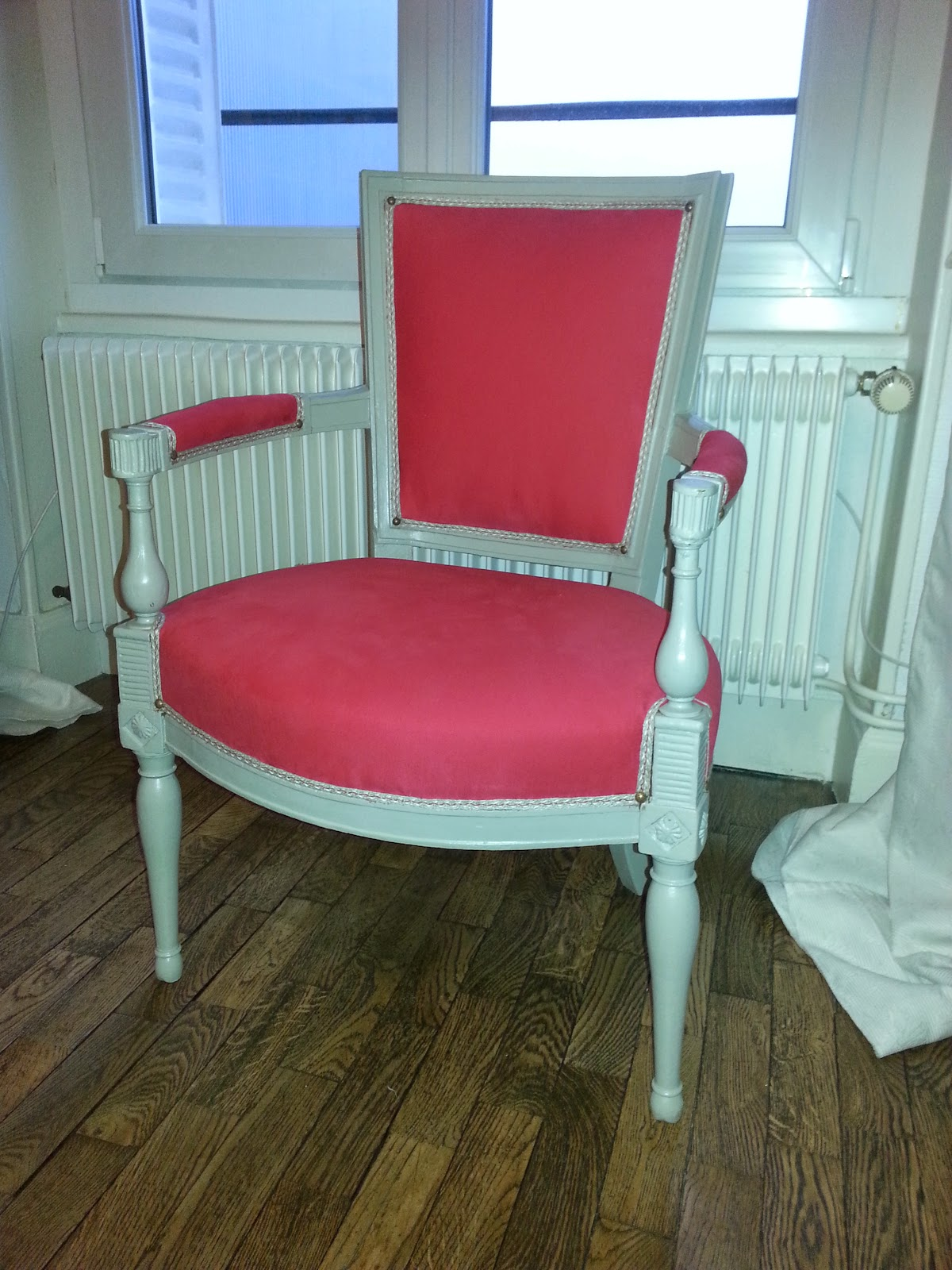 merci cl mence this is the end retaper des fauteuils directoire 3 3. Black Bedroom Furniture Sets. Home Design Ideas
