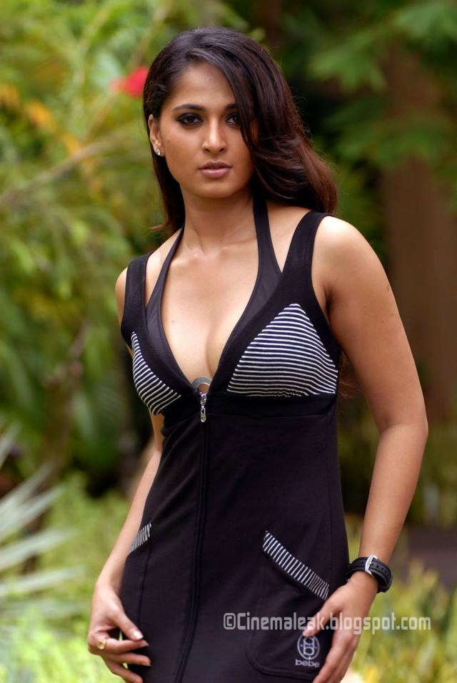 Latest Celebrity Pictures | Indian Sexy Actress Gallery: Anushka ...