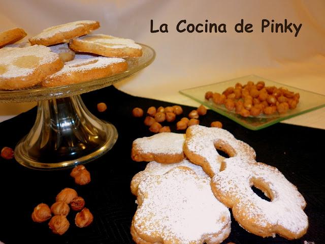 Pastas De Nata Y Avellanas
