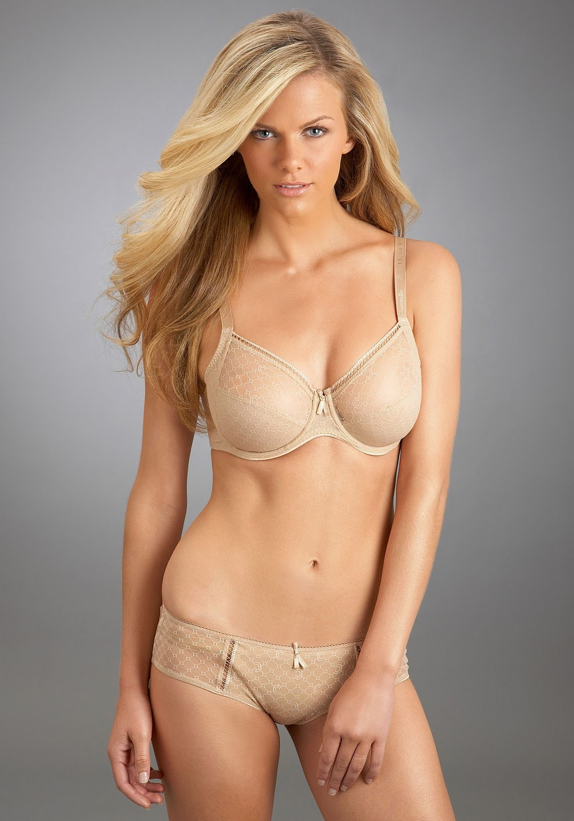 Brooklyn Decker Model Hot Pictures | Hot Famous Celebrities