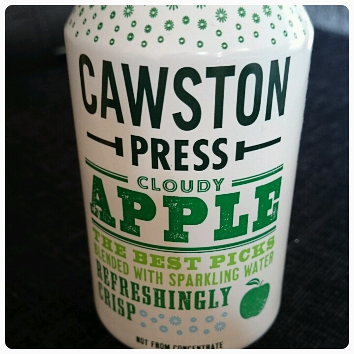 cawston cloudy apple drink