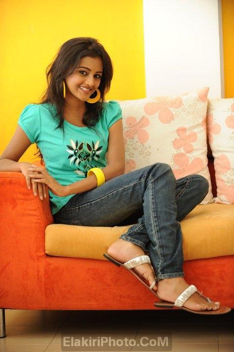 priyasad sri lankan actress dinakshie priyasad sri lankan actress