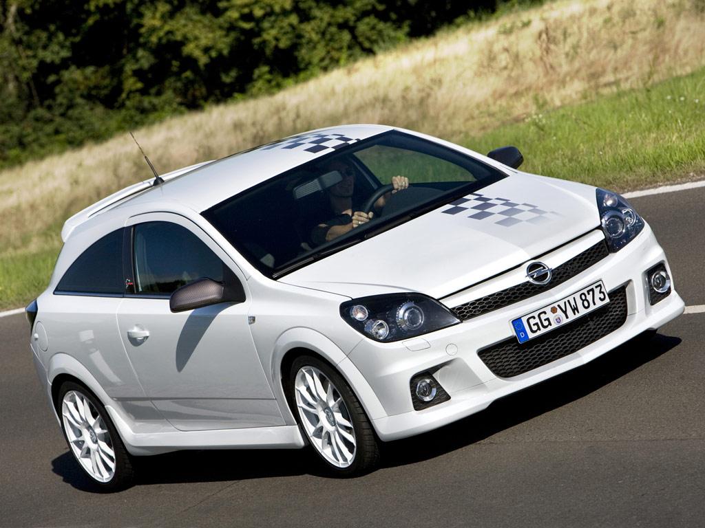 http://2.bp.blogspot.com/-D7KgUY1OmYo/TpsDPeHlaeI/AAAAAAAAAmQ/ZhF1EKrAGz8/s1600/Opel-Astra-OPC.jpg