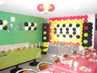 DECORACION CON GLOBOS HOT WHEELS MEDELLIN