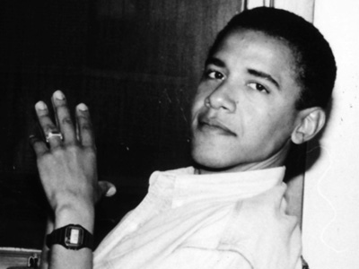 barack obama early life Before she met barack obama, the future first lady had enjoyed a close family life and strong schooling, showing a competitive streak and a summer where she had a cursing problem.