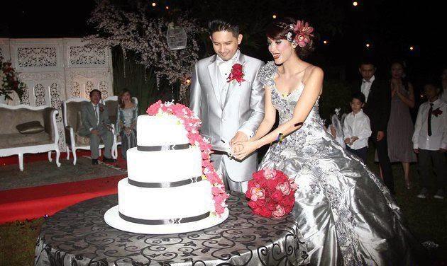 Sharena dan ryan delon wedding bands