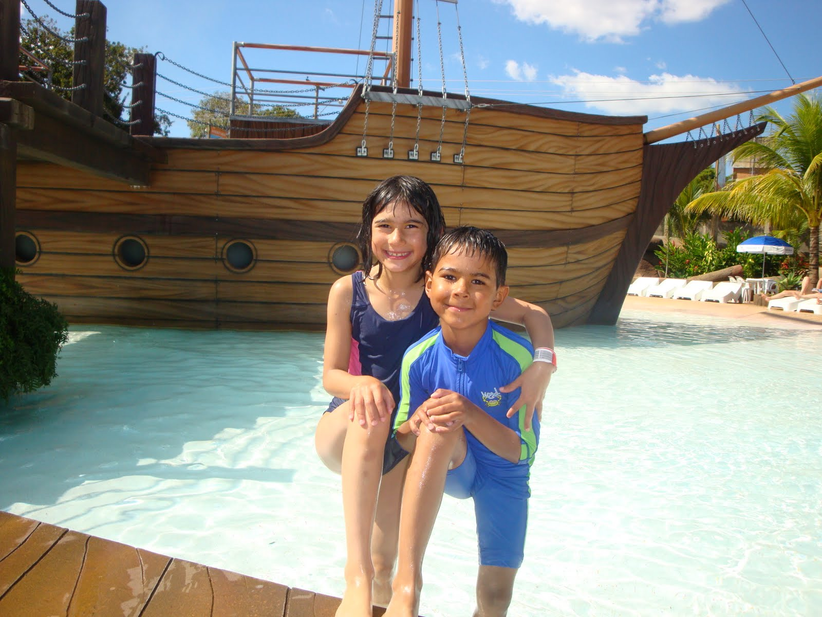 lots of fun at the pirate ship kids pool,