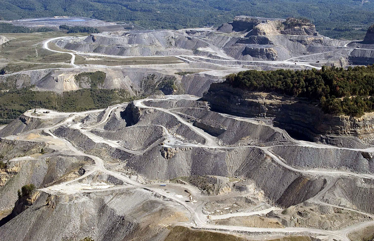 mountain top mining and the law essay In 2009 surface mines produced 56 million tons with over 43 million from mountain top mining in 2009 west virginia mines produced over 144 million tons.