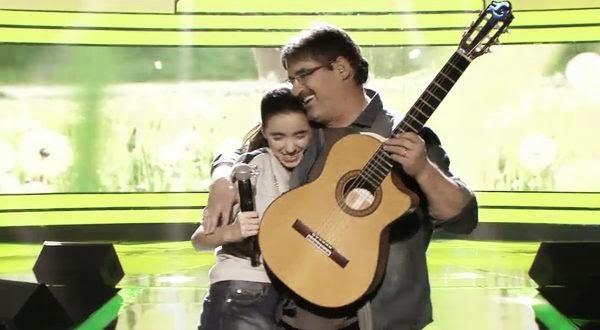 Lorenzo y Carla cantan Sing de Ed Sheeran