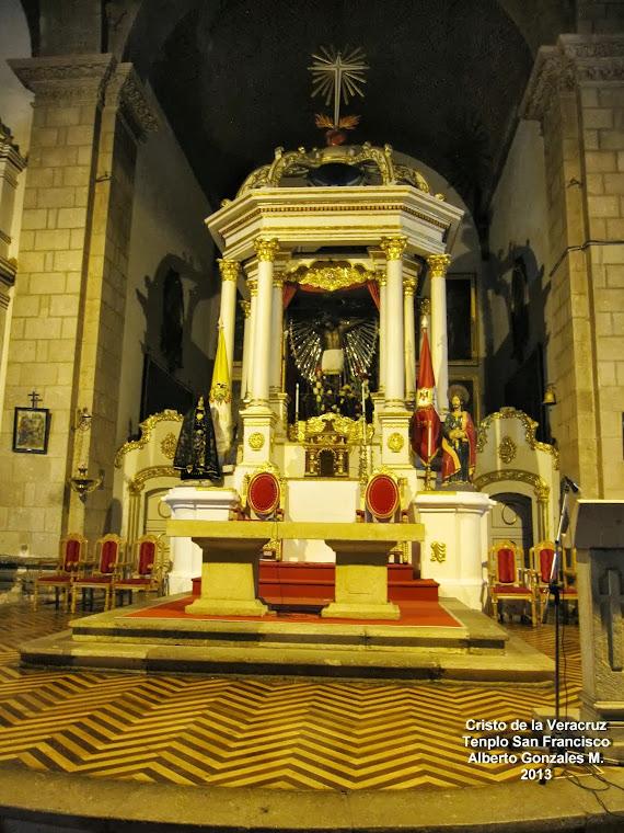 Templo San Francisco - Altar Mayor -  Cristo de la Veracruz