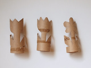 make toilet paper roll flowers
