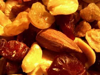 Tips diet dengan ngemil (makan makanan ringan)