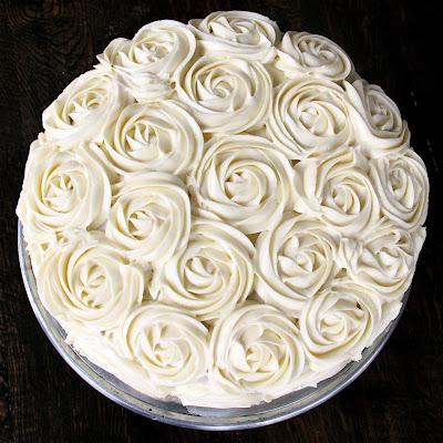 Cake Decor With Roses : D*lish: Red Velvet Rose Cake & Cake Decorating Tutorial
