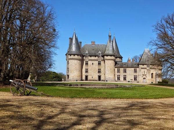 Salon-la-tour château France Corrèze