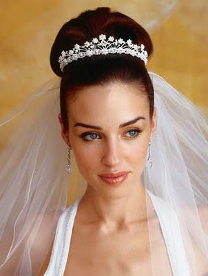 Bride Hair With Tiara. +for+long+hair+with+tiara