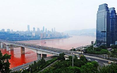 sungai yangtze bertukar merah8