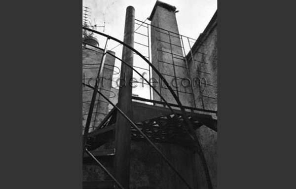 L 39 art de fer le tout premier escalier de boris klein un for Escalier dans le vide