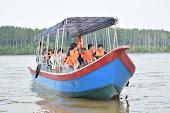 10 pax boat
