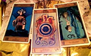 Tirada de tres cartas - Escorpio enero 2013