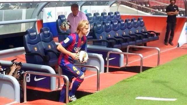 راكيتيتش لاعب برشلونة الجديد