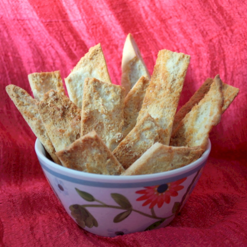 It's so quick and easy to make these delicious low fat snacks - garlic pita chips - and you only need 3 ingredients!