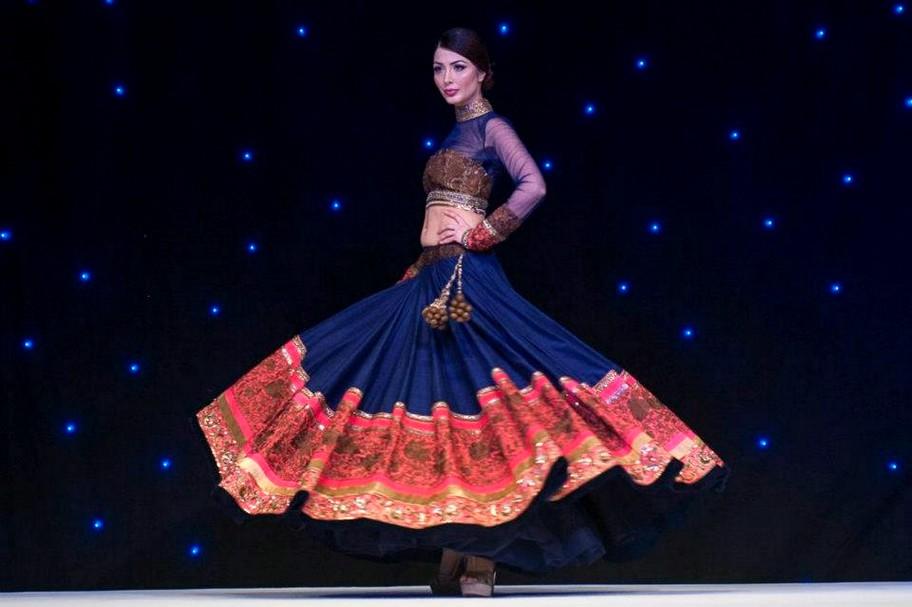 Fashion for Worlds , Shalvar Kameez , Kurti , Bridle ... Sabyasachi Anarkali Suits Collection 2013