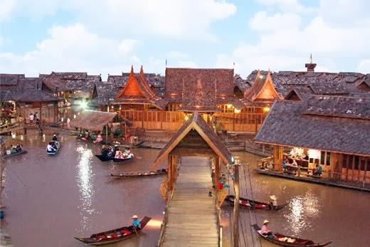 Pattaya Floating Market 4 Thailand