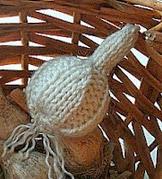http://translate.googleusercontent.com/translate_c?depth=1&hl=es&rurl=translate.google.es&sl=en&tl=es&u=http://www.bigcraftyblog.blogspot.com.es/2012/03/free-knitted-garlic-pattern.html&usg=ALkJrhjbzniAjIKRBIv3ZXQCNzAAJVABQw