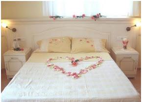 romantic bedroom, romantic room, romantic decoration for bedroom, romantic bedroom decorations, romantic elements in a bedroom, romantic bed, bed with romantic decor, how to decorate the bedroom romantic, romantic decoration, romantic bedroom decor, how to decorate a bedroom to be romantic, how to make it romantic bedroom, I decorate the bedroom in a romantic, romantic decor for the bed, things that used to decorate the bedroom a little romantic, very romantic do my bedroom, prepare the bedroom for the night wedding, bed with rose petals, bed with white sheets and red rose petals, romantic images, images of romantic bedrooms, decorating ideas for a romantic bedroom, romantic room decoration, ideas to convert a bedroom into a romantic space, interior design, images of romantic bedrooms, romantic bedroom pictures, romantic places, romantic themes for bedrooms, ロマンチックなベッドルーム、ロマンチックなお部屋、寝室のためのロマンチックな装飾、ロマンチックなベッドルームの装飾、寝室のロマンチックな要素が、ロマンチックなベッド、ロマンチックな装飾が施されたベッドは、どのように寝室を飾るためにどのように寝室ロマンチック、ロマンチックな装飾、ロマンチックなベッドルームのインテリアを飾るためにロマンチックな、それはロマンチックな寝室を作る方法を、私はベッドのためのロマンチックな、ロマンチックな装飾、寝室を飾るために使用される事で寝室を飾る少しロマンチックな、非常にロマンチックな私の寝室を行うと、結婚式の夜のためのベッドを寝室に準備、バラの花びら白いシーツとベッドと赤の花びら、ロマンチックなイメージ、ロマンチックロマンチックなベッドルーム、ロマンチックな寝室のための飾るアイデア、ロマンチックな部屋の装飾、ロマンチックな空間に寝室を変換するためのアイデア、インテリアデザイン、ロマンチックなベッドルームの画像の画像をバラベッドルームの写真、ロマンチックな場所、寝室のためのロマンチックなテーマ、