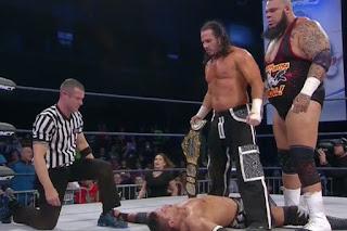 TNA - Tyrus traiciona a EC3 y Matt Hardy se aprovecha para ser el nuevo campeón mundial