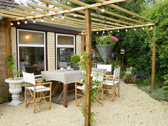 Enthused Monkey: Crafty DIY : Garden Pergola