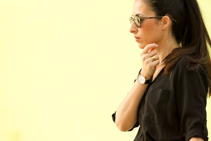 Imagen de perfil blogger de moda con mono camisero negro withorwithoutshoes