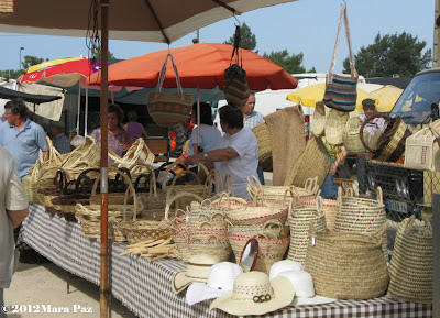 Algoz market - baskets, hats