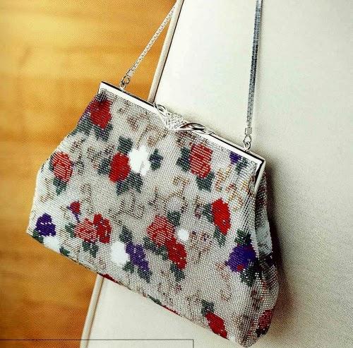 Элегантная сумочка, вышитая бисером