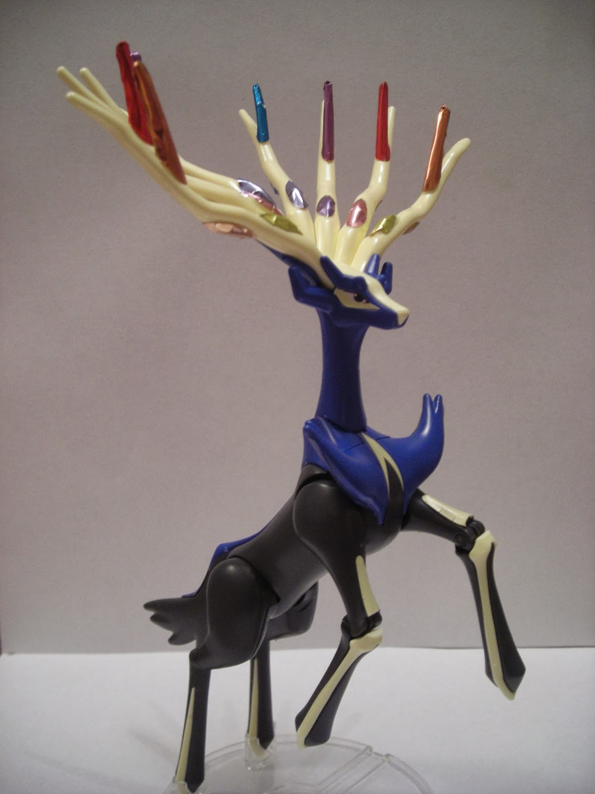 My Shiny Toy Robots: Toybox REVIEW: Pokémon Plastic Model Collection Xerneas