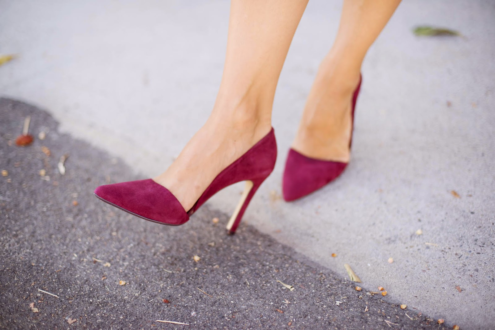 red heels, red pumps