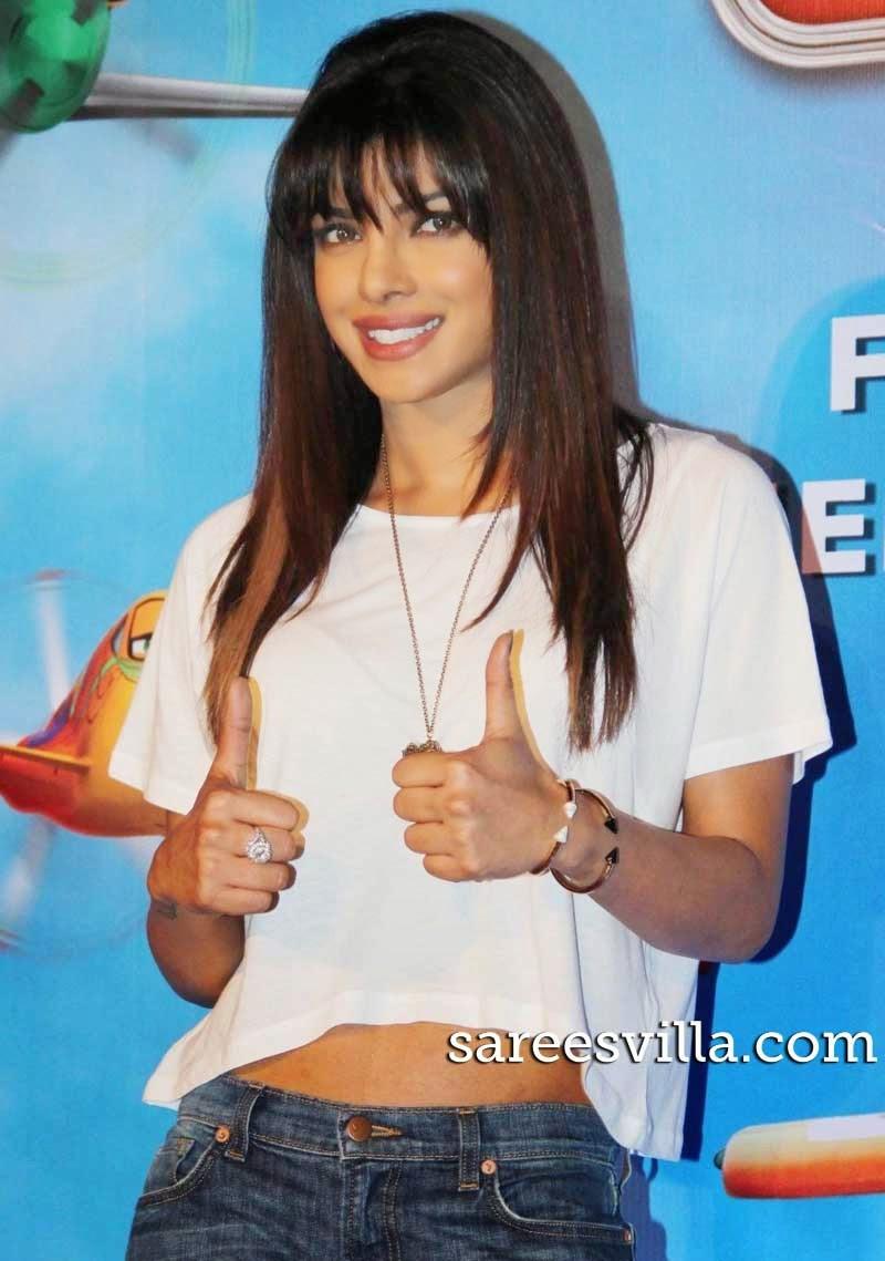 Priyanka Chopra Stright Hairstyle